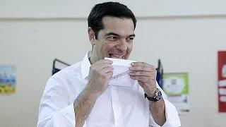 Greece: Alexis Tsipras among the first to vote