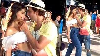 Hrithik Roshan ROMANCING Sonam Kapoor | Dheere Dheere | Aashiqui