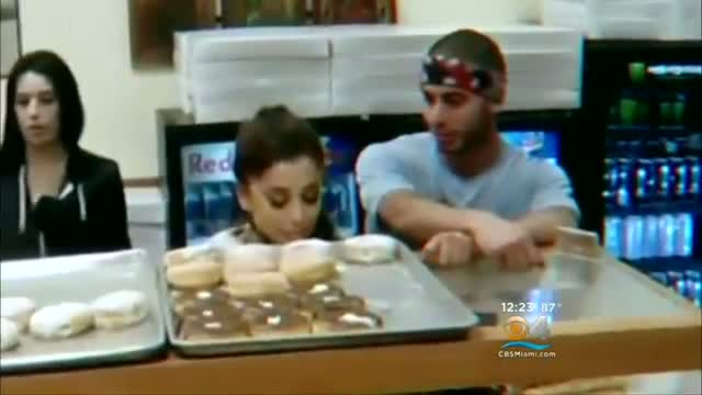 Donut Shop Owner Says Ariana Grande Spit On Merchandise