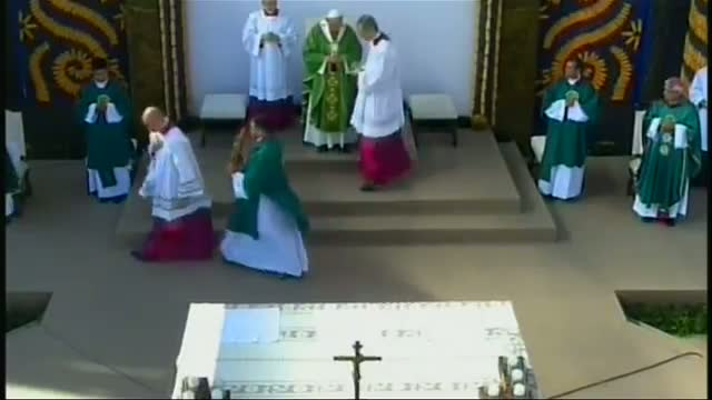 Pope Celebrates Mass in Paraguay