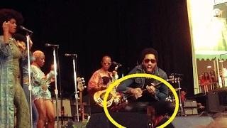 Lenny Kravitz Rips Trousers And Penis Falls Out During Show in Sweden