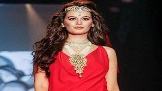 IIJW function at Grand Hyat with Evelyn Sharma