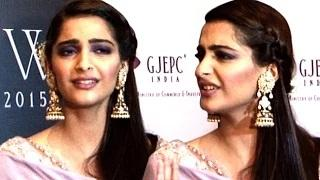 Sonam Kapoor's DUMB Reaction On Independence Day