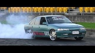 MONSTER V8 COMMODORE BURNOUT AT SYDNEY DRAGWAY