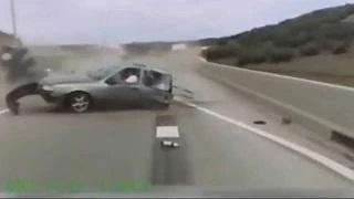 Deadly Car Crashes Caught On Camera   Bad Car Crashes video - id