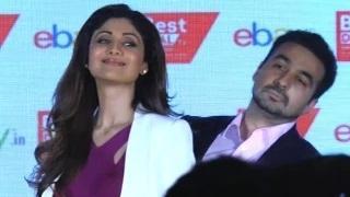 Raj Kundra Flirts With Wife Shilpa Shetty Kundra!