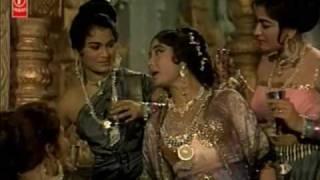 Sansaar se Bhaag Phirte ho Bhagwan ko Tum Kya || Chitralekha(1964) || Lata Mangeshkar || {Old Is Gold}