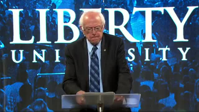Sanders Courts Evangelical College Students