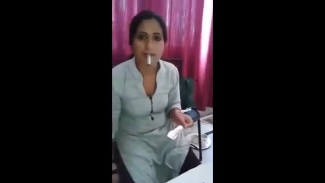Whatsapp Funny Girls Smoking Video - Girls Smoking Whatsapp Video