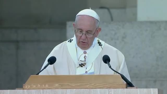 Pope Francis Concludes First Mass in the US