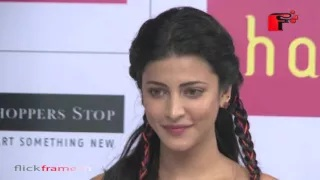 Shruti Haasan cares for her sister Akshara