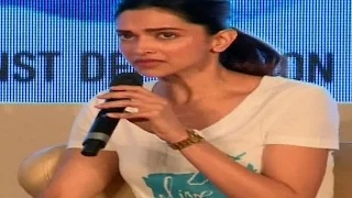 Deepika Padukone gets EMOTIONAL and cries in PUBLIC | UNCUT VIDEO