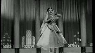 Aise Na Dekho Rasiya || Kal Hamara Hai || Asha Bhonsle || {Old Is Gold}
