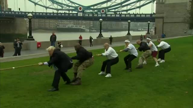 London Mayor Falls During Tug of War