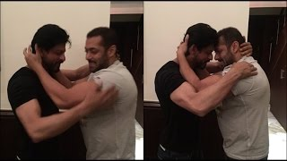 Salman wished Shahrukh Khan on his 50th Birthday | Vscoop