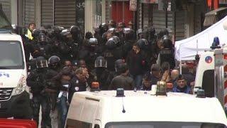 2 Dead, 8 Arrested in Paris Anti-Terror Raid