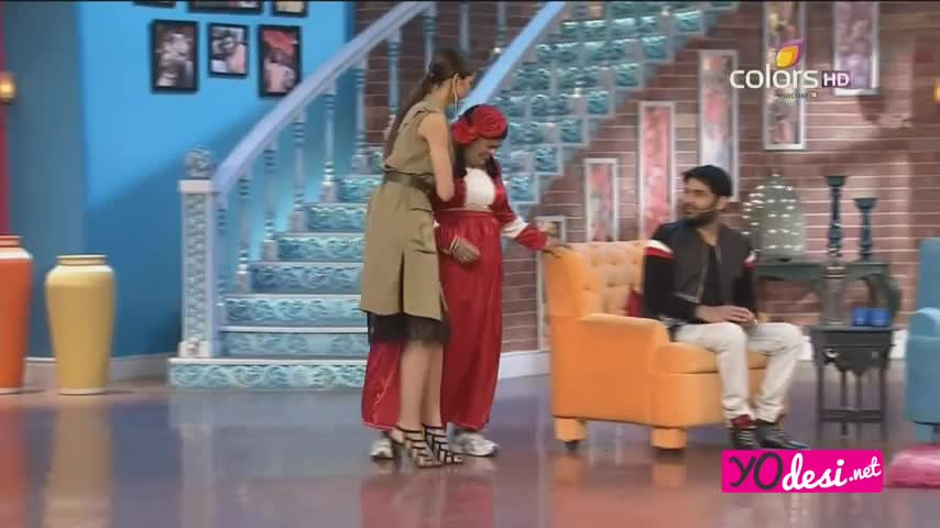 Comedy Nights with Kapil - Ranbir Kapoor & <span class='mark'>Deepika Padukone</span> promotes Tamasha - 22nd Nov 2015 - Part 3/4
