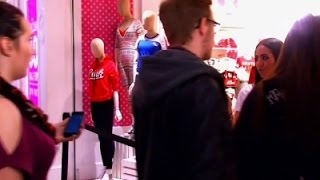 Shoppers Hunt For Black Friday Bargains