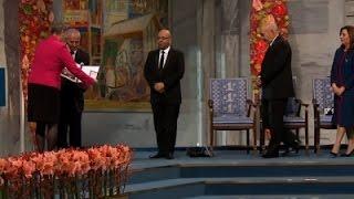 Tunisian Democracy Group Receives Nobel Prize