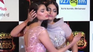 Sonam Kapoor Hot At BIG Star Entertainment Awards 2015 RED CARPET