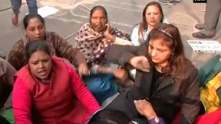 BJP supporters protest against Arvind Kejriwal