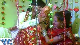 Saiya Dheere Dheere Lagai Kuch Der Batiyai || Odhaniya Hatake || Aakarsh Raj || Bhojpuri Hot Songs