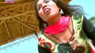 Bahiya Me Daal Ke Satbale Re Maee Darad Na Shala || New Bhojpuri Hot Song || Salon