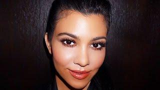 Watch Kourtney Kardashian's PRICELESS Reaction To Kylie Jenner's Lip Kit