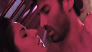 Katrina Kaif Hot Scene In Fitoor Song 'Tere Liye'