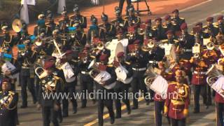 Indian military soldiers march before French President at Republic Day India 2016