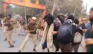 Activists brutally beaten by cops during Delhi rally