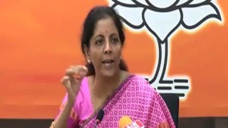 Cong should apologise for framing stories against then Guj Govt: Sitharaman