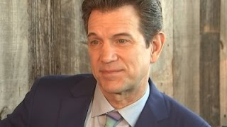 Chris Isaak's Advice to Young Musicians