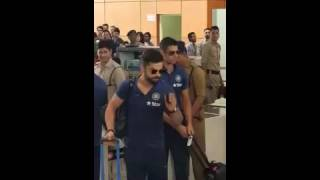 Mob Chants Kohli Kohli & MS Dhoni at Airport after India Vs West Indies 2016 Match.