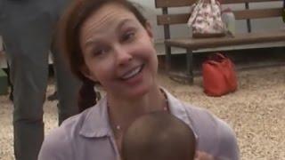 Judd Gets Emotional at Refugee Camp