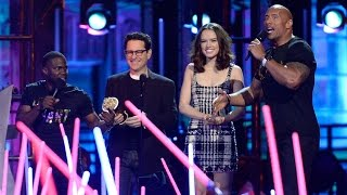 Star Wars: The Force Awakens Snags MOVIE OF THE YEAR at 2016 MTV Movie Awards
