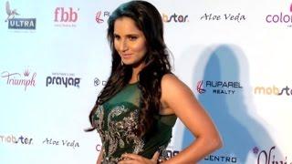 Sania Mirza Walks On FBB Femina Miss India 2016 Red Carpet