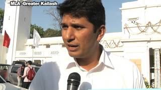 AAP MLA Saurabh Bhardawaj Velfie on Budget