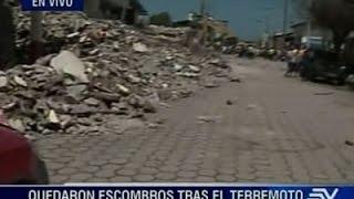 Raw: Ecuador Searches for Earthquake Survivors