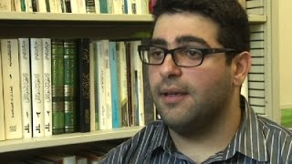 News Video - Student Pulled off Flight after Speaking Arabic