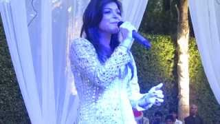 Kanika Kapoor performing Live on Baby Doll