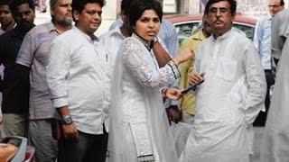 Trupti Desai enters Haji Ali Dargah