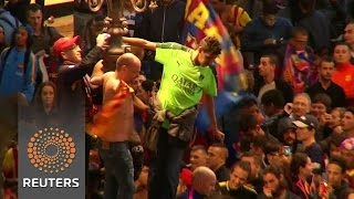 Barcelona fans celebrate league title