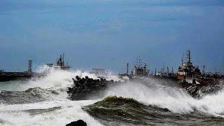 Cyclone ROANU hits Andhra Pradesh, Odisha, high alert issued