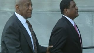 Raw: Cosby Arrives At Court for $ex-Assault Case