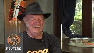 Rocker Neil Young talks U.S. presidential politics