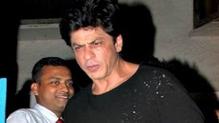 CAUGHT Shahrukh Khan Drunk With Friend Outside Olive Bar In Mumbai!