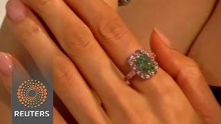 Green diamond shatters auction world record