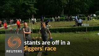 Hungarian gravediggers compete for 'neatest grave'