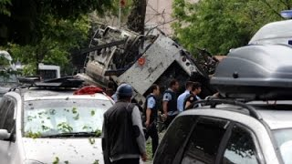 Raw: Deadly Car Bomb Attack in Istanbul